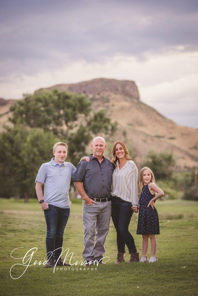 Good Morrow Photography - family at mountain
